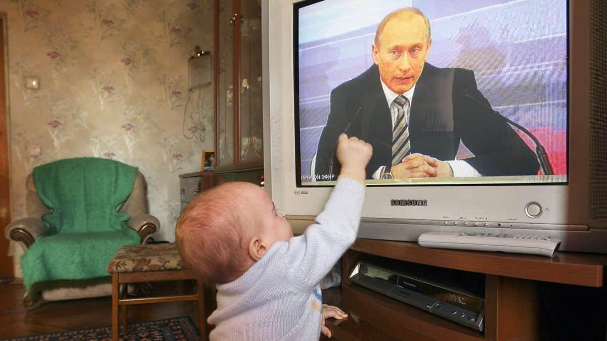 Путин пообещал выплаты всем детям до семи лет к Новому году