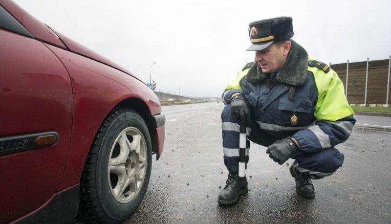 Норма об обязательных зимних шинах вступила в силу в декабре 2020 года