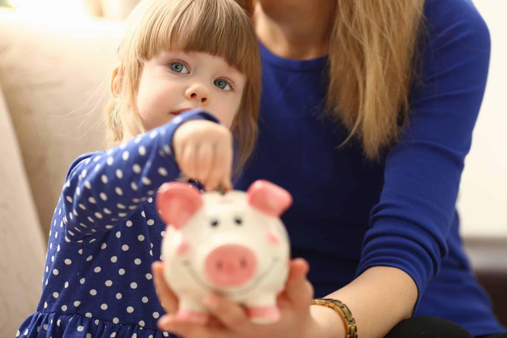 Пособия на детей от 3 до 7 лет увеличатся с 2021 года в России