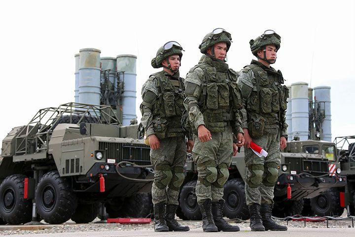 Военнослужащим РФ повысят денежное довольствие в 2021 году