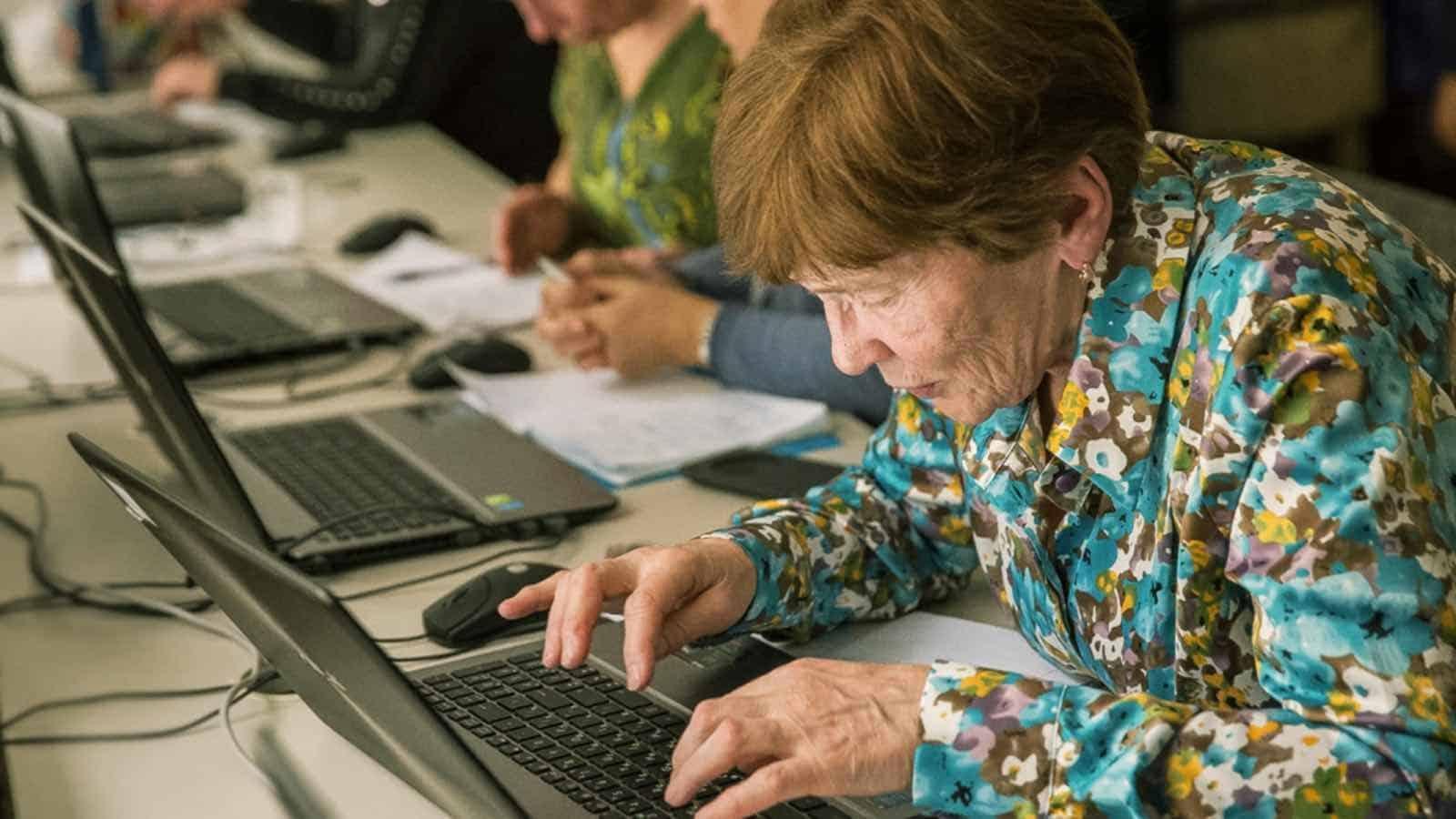 Пенсии работающих пенсионеров изменятся в 2021 году
