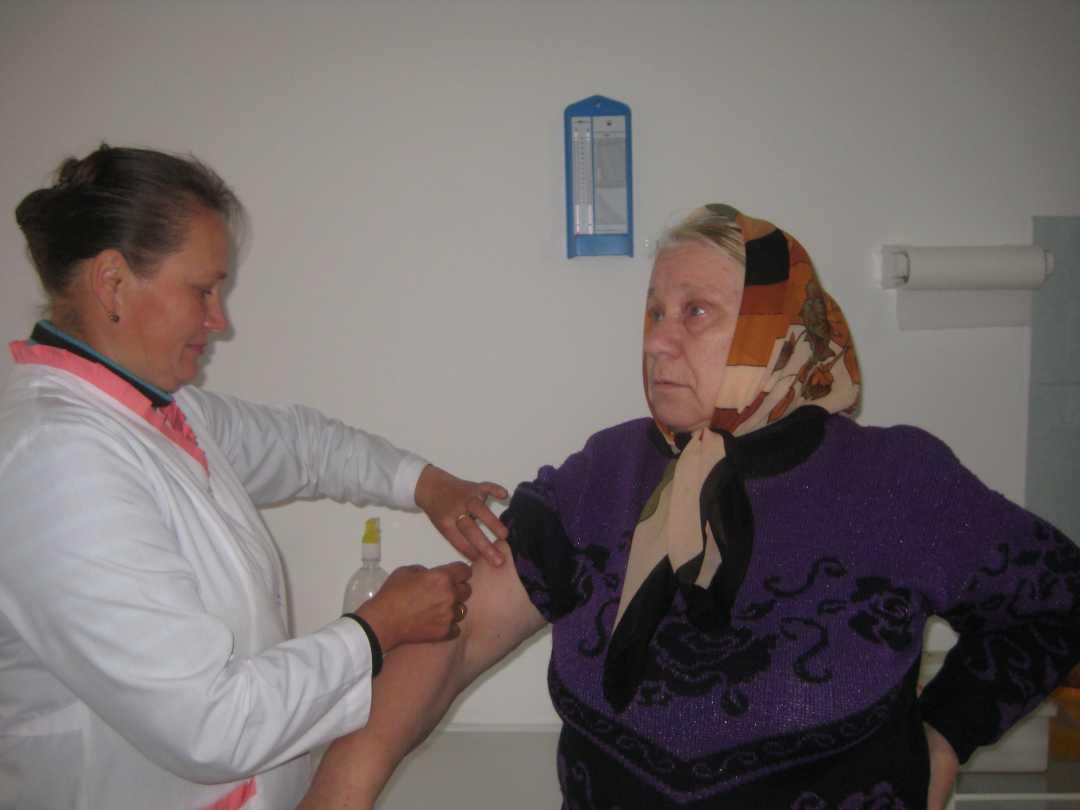 В Минздраве рассказали какой вакциной от коронавируса будут прививать граждан старше 60 лет