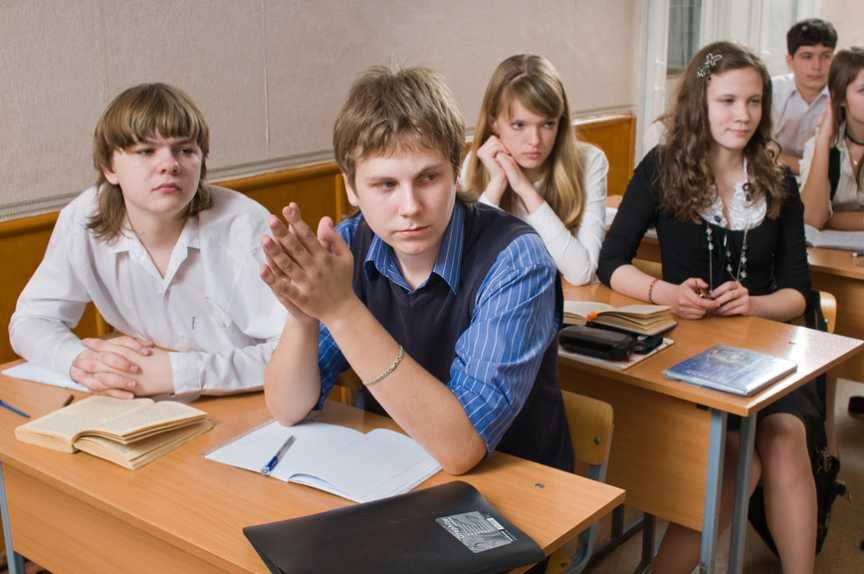 Школьникам Москвы продлили зимние каникулы