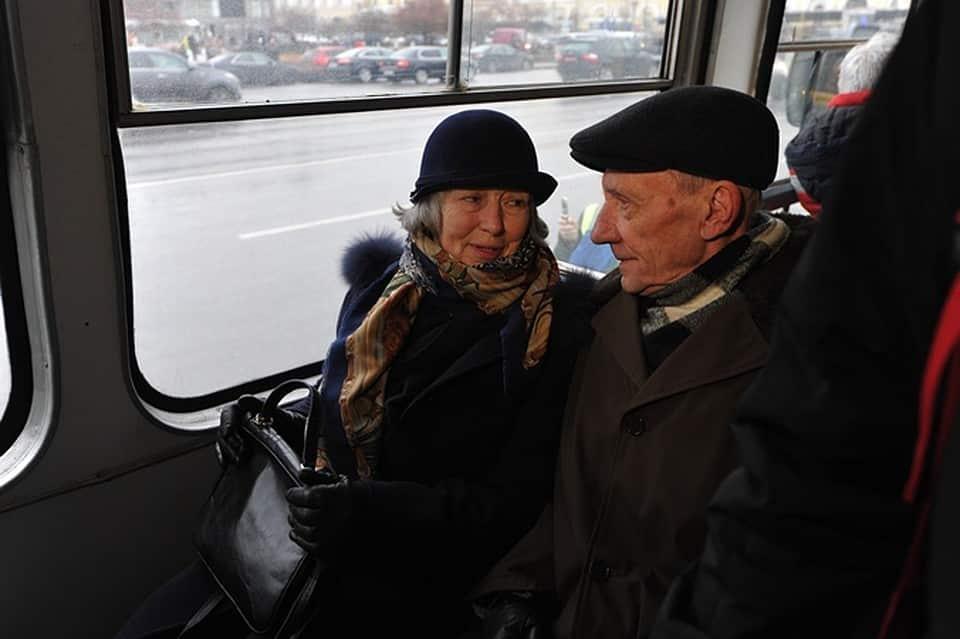 Можно ли пенсионерам старше 65 лет ездить в Москву из Подмосковья, рассказали в мэрии столицы