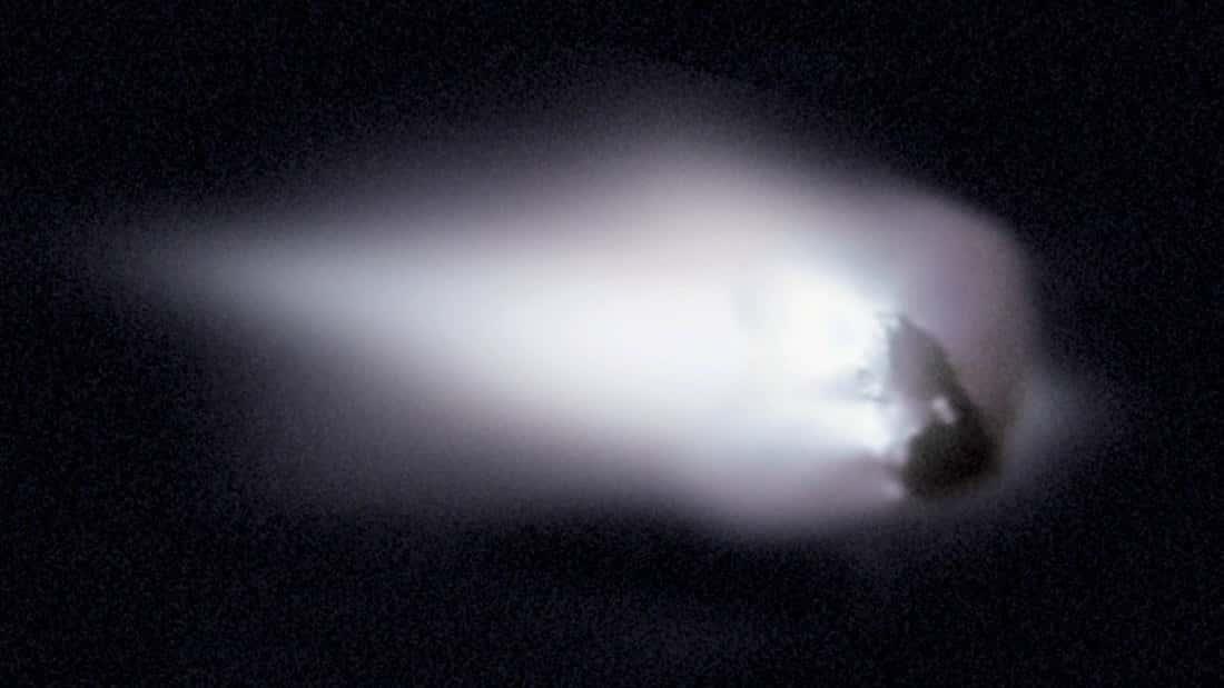 Чем грозит прилет кометы Галлея человечеству: когда прилетит в следующий раз