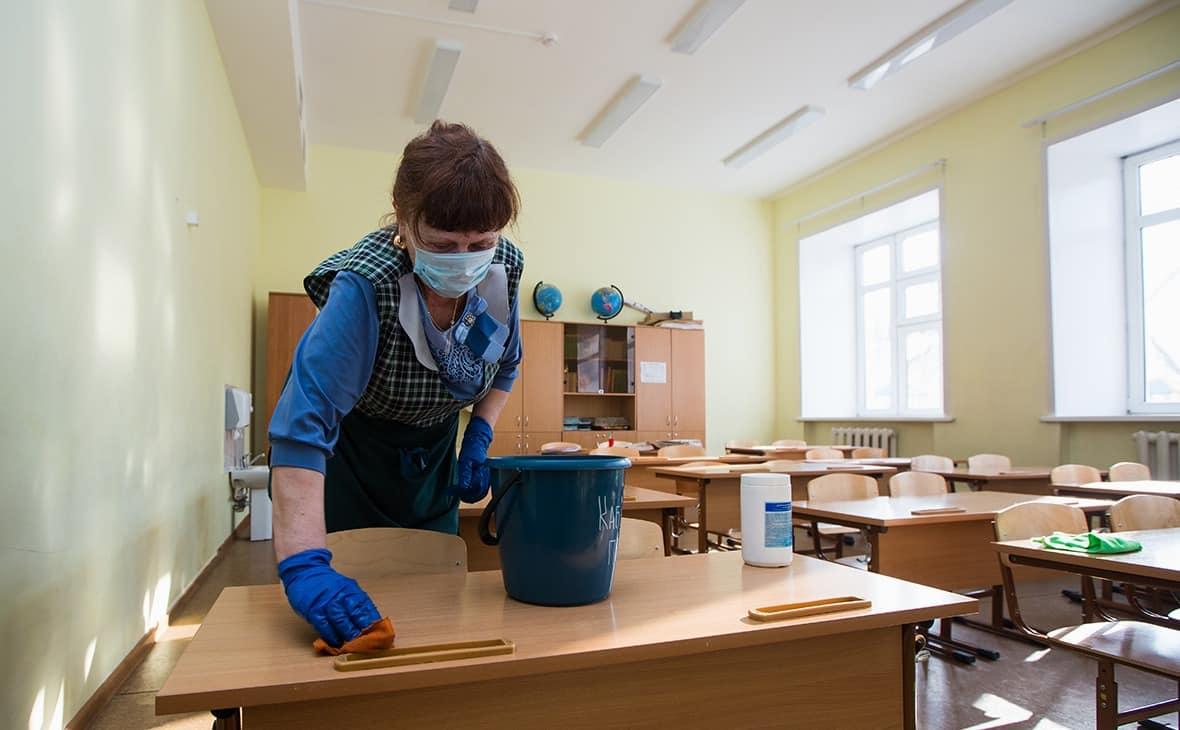 Когда школьников в Москве переведут на очное обучение рассказал Собянин
