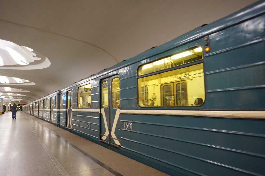 График работы метро 18 и 19 января на Крещение в Москве и Санкт-Петербурге в 2021 году