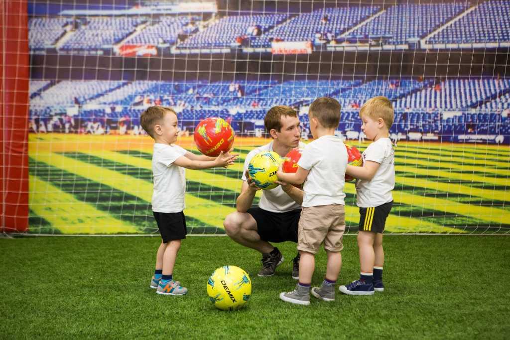 Уроки футбола появятся в российских школах с нового года