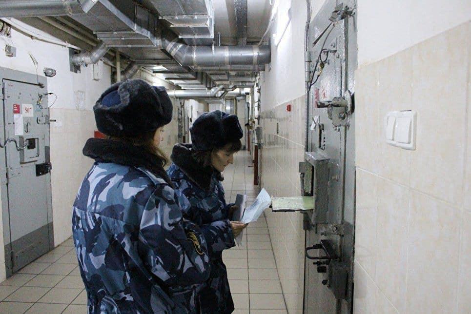 В России изменились правила передачи посылок заключенным