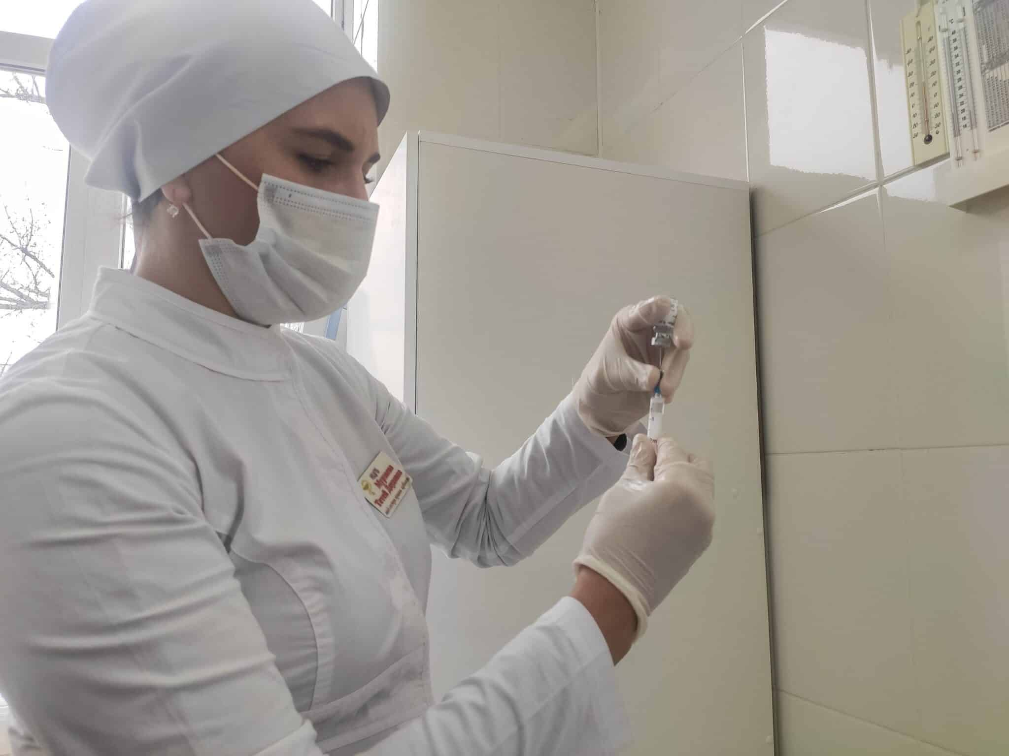 Противопоказания для вакцинации от коронавируса назвали медики