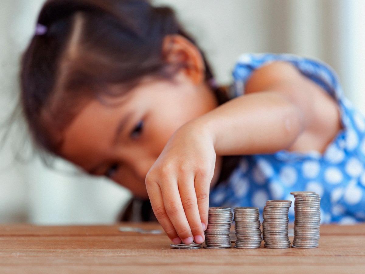 Выплаты на детей до полутора лет увеличили в России