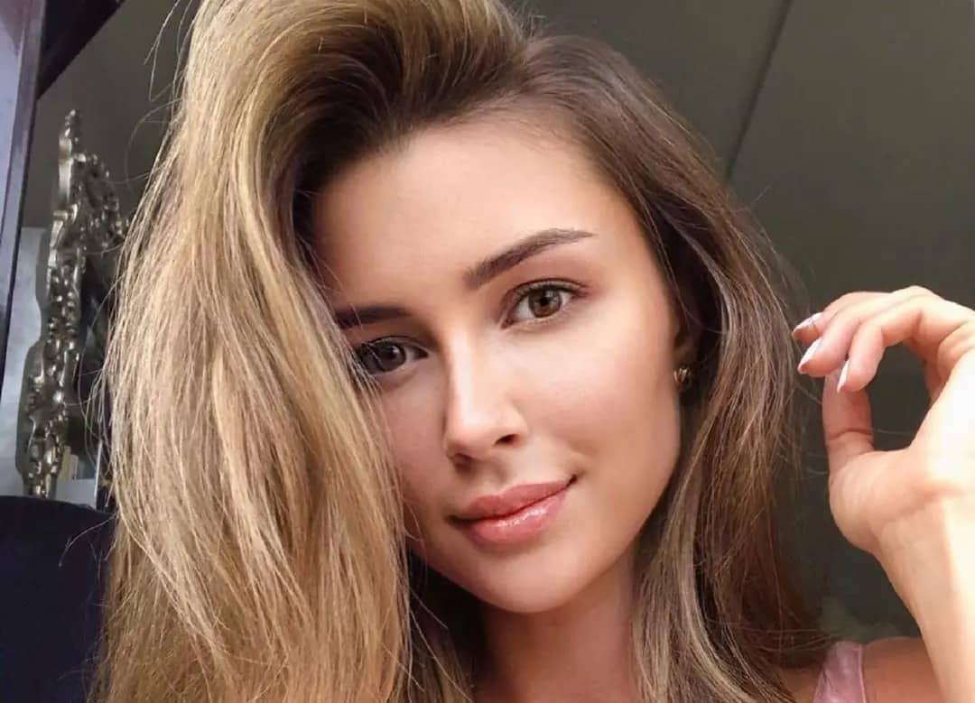 Дочь Анастасии Заворотнюк хочет уехать из России