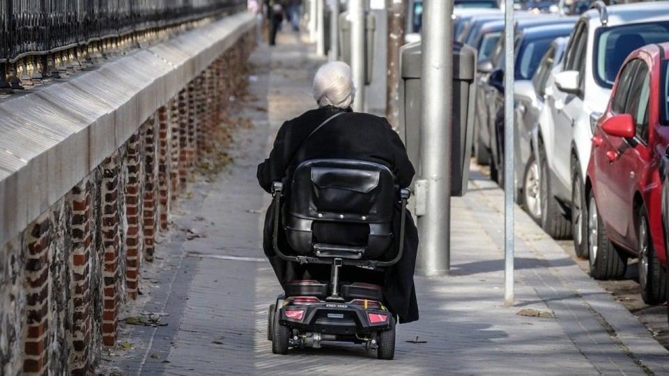 Упрощенный порядок назначения инвалидности продлили в России до 1 октября 2021 года