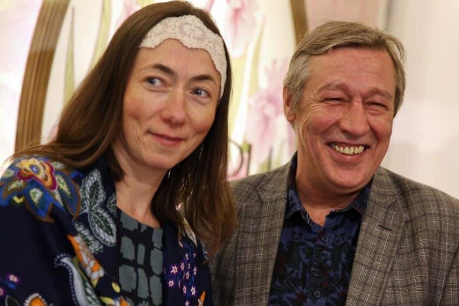 Жена Ефремова обвинила мужа в краже денег