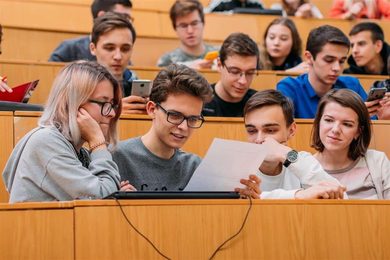 Российские студенты не хотят уходить с удаленки