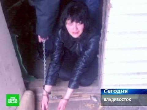 В Подмосковье мать бросила троих детей на 15-градусном морозе раздетыми