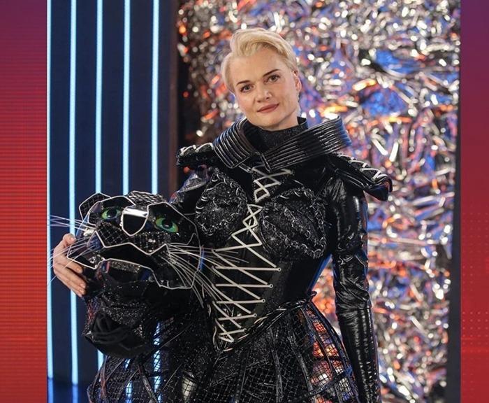 Интрига раскрыта: жюри не угадали человека, в костюме Черной пантеры в шоу «Маска» на НТВ