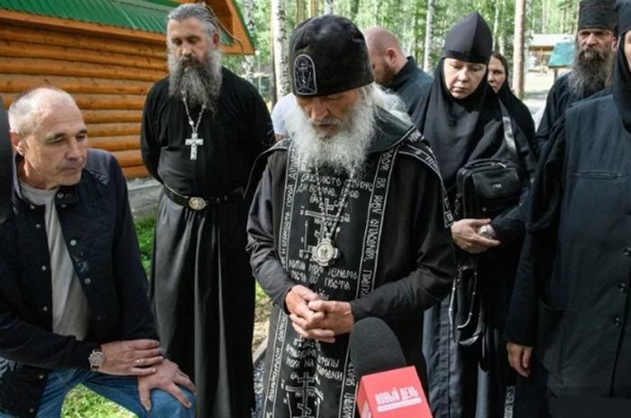 Из-за неудачной шутки на тему религии из «Уральских пельменей» ушел автор