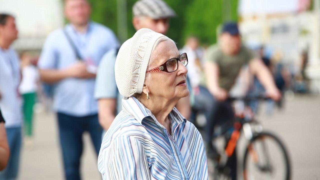 Инициативу о возврате пенсионного возраста в России прокомментировали экономисты