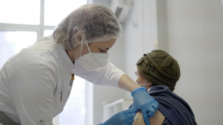 Кому противопоказана прививка от коронавируса рассказали медики